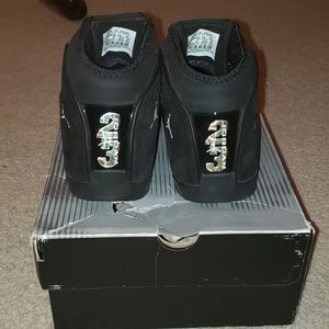 Jordan Shoes - Authentic Jumpman Trifecta